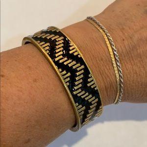 💐Loft chevron cuff bracelet